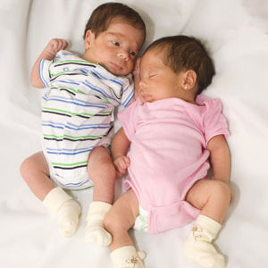how to know boy or girl in twin pregnancy