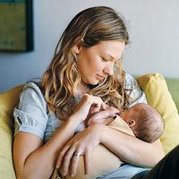 Smoking-While-Breastfeeding.jpg