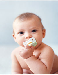 baby-pacifier-at_0.jpg