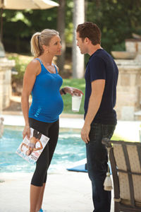 cameron-diaz-what-to-expect-fit-pregnancy-cover_0.jpg