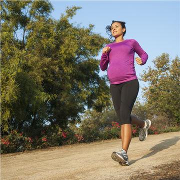 running-pregnanr-woman_700x700.jpg