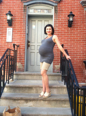 holly-37-weeks-pregnant_0.jpg