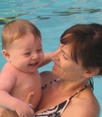 mom-baby-swimming-lessons_0.jpg