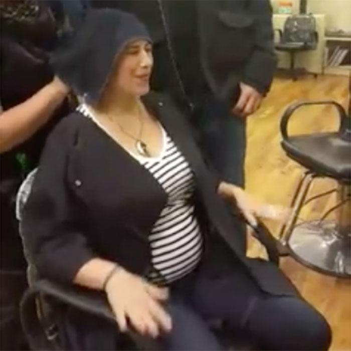 Mom To Be Has Emotional Gender Reveal Using Hair Dye Fit Pregnancy