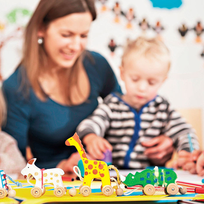 Babysitting Day Care Child Care: Quiz: Babysitter, Day Care Or Nanny?