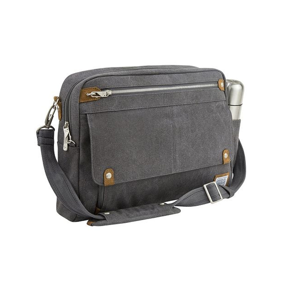 9 cool diaper bag for dads fit pregnancy and baby. Black Bedroom Furniture Sets. Home Design Ideas