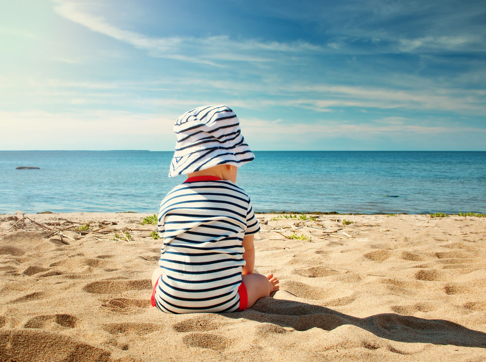6 Tips For a Safe (and Fun!) Beach Day With Baby