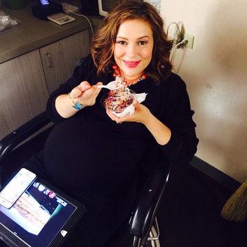 Výsledek obrázku pro alyssa milano pregnant
