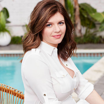 Casey-Wilson-white-shirt-SHOT_07_072.jpg