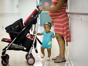Pregnant woman in Puerto Rico Worried About Zika