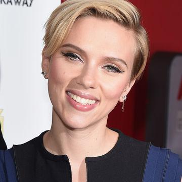 Scarlett-Johansson_700x700_Getty-459204730.jpg