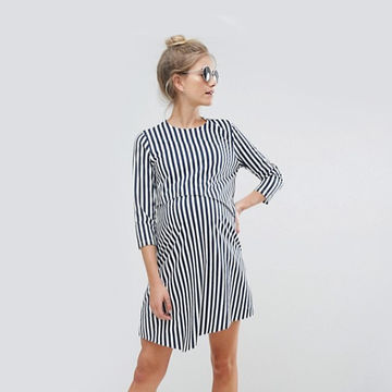 Delicieux Three Quarter Sleeve Dress With Vertical Stripes