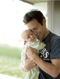 dad-baby-colic_0.jpg