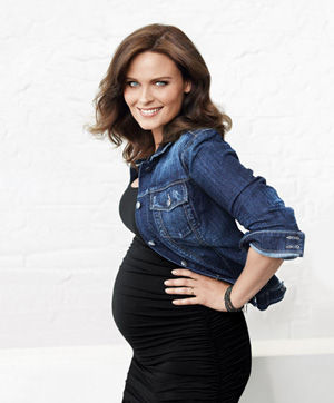 emily-deschanel-cover-at_0.jpg