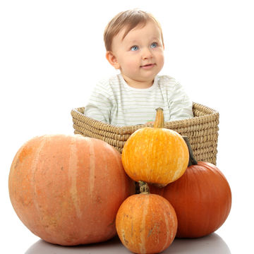 Baby-fall-gourds-thanksgiving_700x700_shutterstock_39796312.jpg