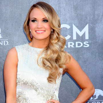 Carrie Underwood Posts Photo of Son
