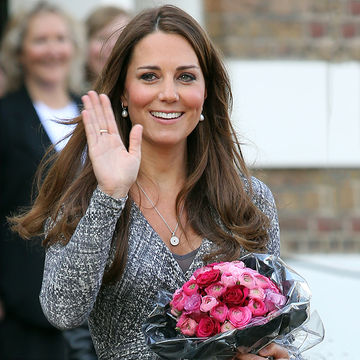 Kate-Middleton-Waving_700x700.jpg