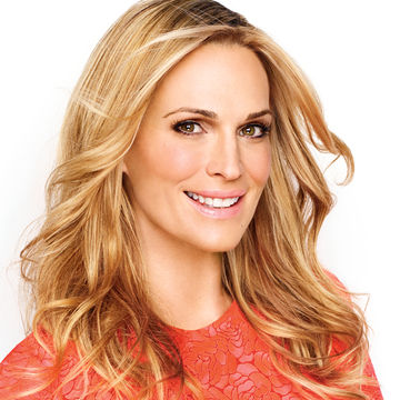 Molly-Sims-coral-dress_compressed-700x700_FP0315_FOB_Celeb_02.jpg