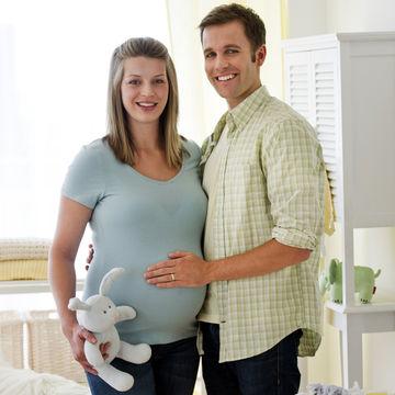 Pregnant-Couple_700x700_corbis-42-30894676.jpg