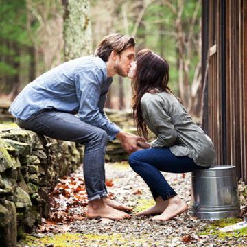 Couple Kissing: Alternatives to IVF