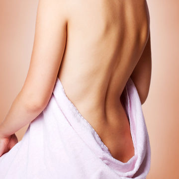 female-bare-back-epidural-facts_700x700_shutterstock_81837394.jpg
