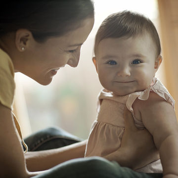 happy-healthy-baby-with-mother_700x700_corbis-42-33149226.jpg