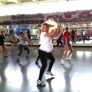 Mom Rocks Hip Hop Class at 27 Weeks Pregnant