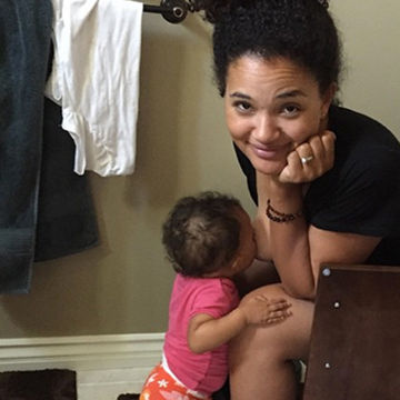 Viral Pic Proves Motherhood Ain't Always Pretty