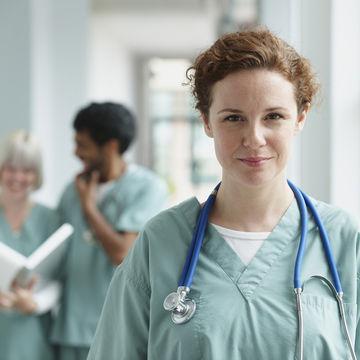 nurse-hospital-setting-birth-during-holidays_700x700_corbis-42-33326097.jpg