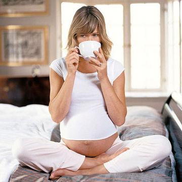 pregnant-drinking-tea-3.jpg