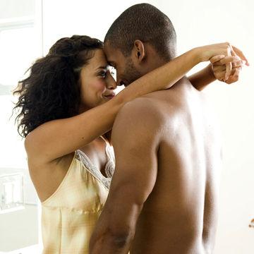 sexy-couple_700x700_sb10064200k-001.jpg