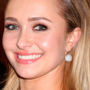 Hayden Panettiere Checks into Rehab for PPD
