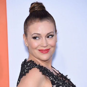 Alyssa Milano Defends Breastfeeding in Public