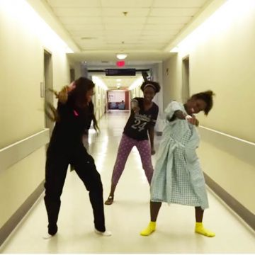 Watch this Mom Whip/Nae Nae Through Labor