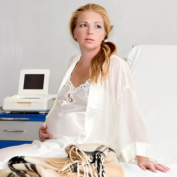 woman-in-labor-concerned-look_700x700_shutterstock_141139603.jpg