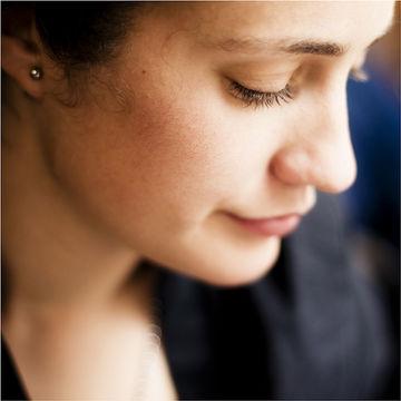woman-profile-zoom-looking-down_700x700.jpg