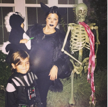 kourtney-kardashian-pregnant-halloween-cat