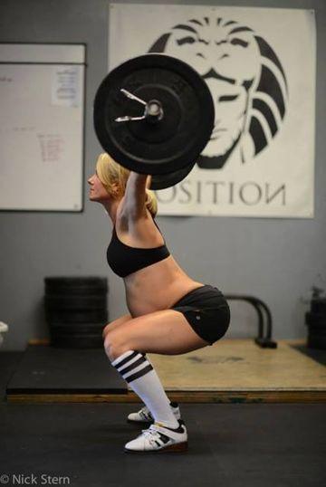 Lea-Ann Ellison Weightlifting in Pregnancy