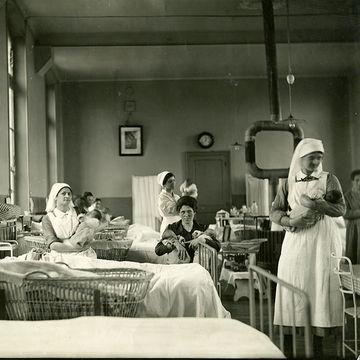 maternity-ward-700x_0.jpg