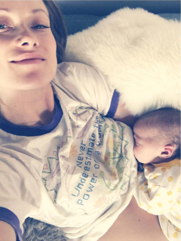 olivia wilde breastfeeding selfie