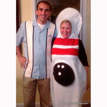 the striking couple - Pregnant Halloween Couples Costumes