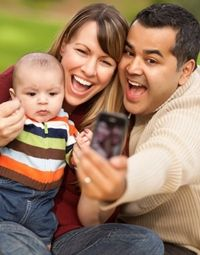 shutterstock-family-taking-photo-at_0.jpg