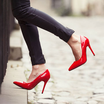 Is it safe to wear high heels in pregnancy?
