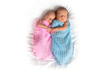twin babies size
