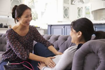 Moms-to-Be Choosing Midwives