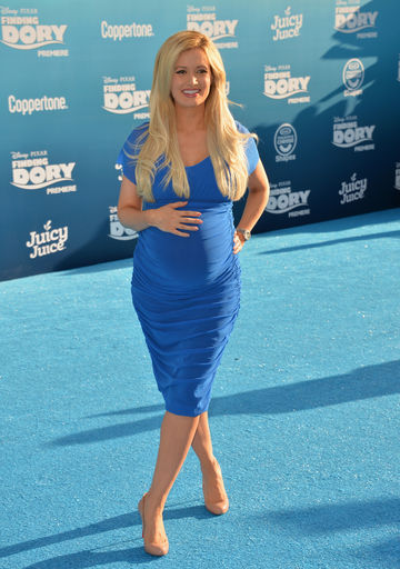 Holly Madison pregnant in 2016