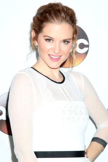 Sarah Drew Breastfeeding Grey's Anatomy