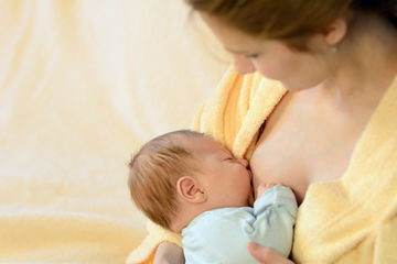 breastfeeding a fussy baby