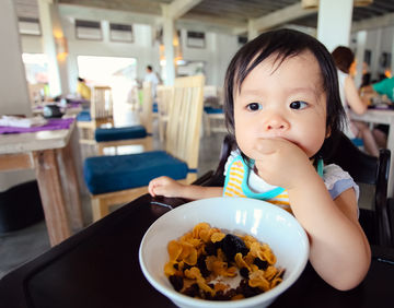 Baby-Led Weaning in Restaurant