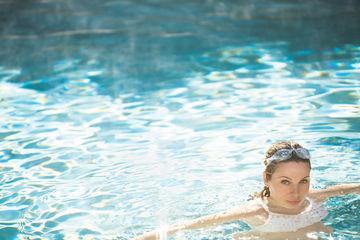 swimming_0.jpg